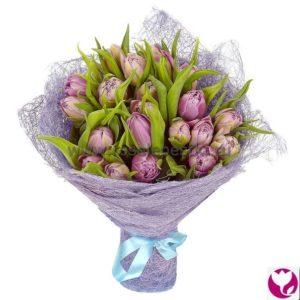 25 лавандовых тюльпанов