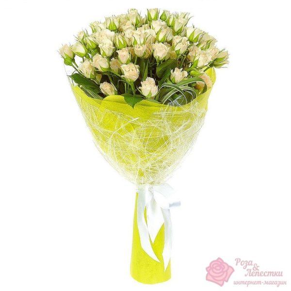 15 белых кустовых роз
