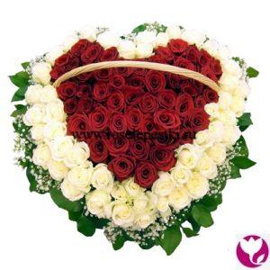 101 роза в корзинке