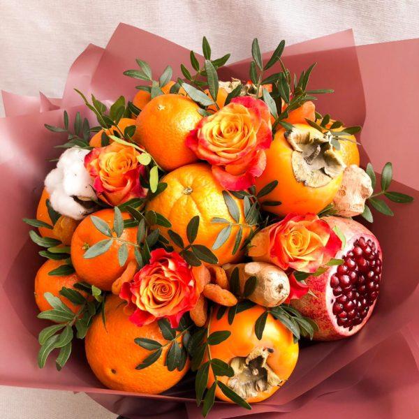 Букет из хурмы, апельсинов и мандаринов