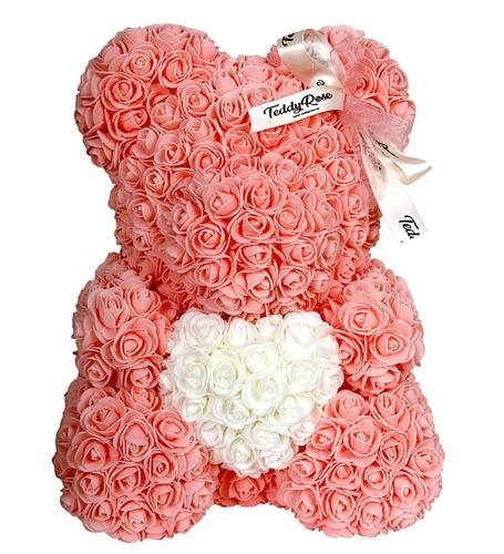 Персиковый мишка из роз с сердцем 40 см