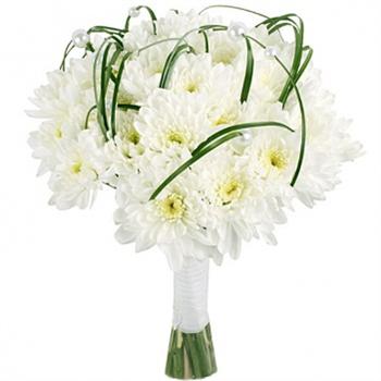 Букет невесты из 21 белой хризантемы