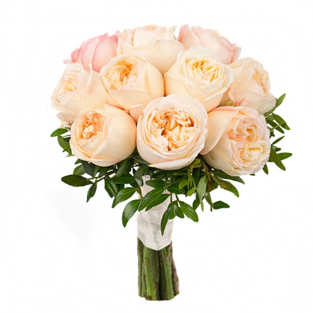 Свадебный букет из 15 пионовидных роз