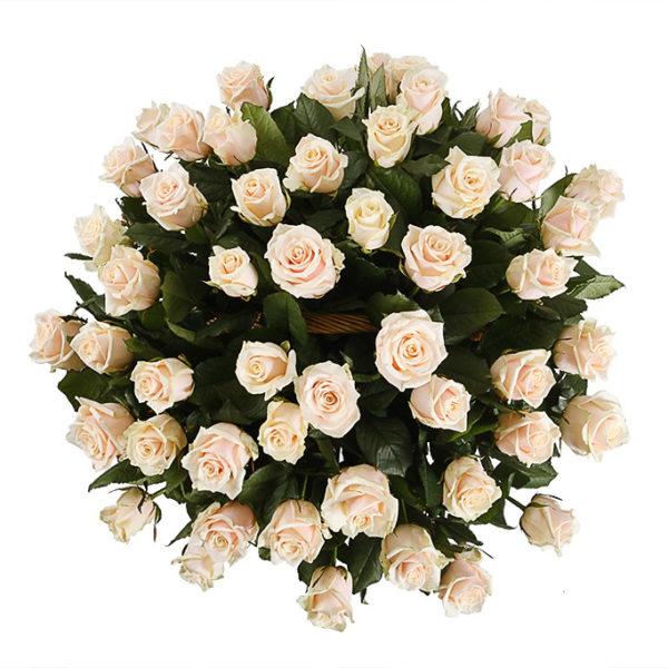 51 кремовая роза в корзинке
