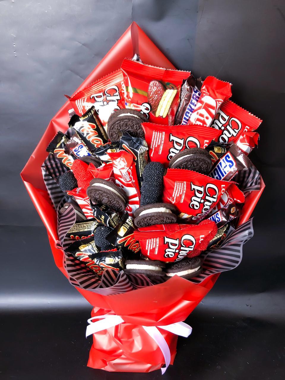 Букет с шоколадками и мармеладом